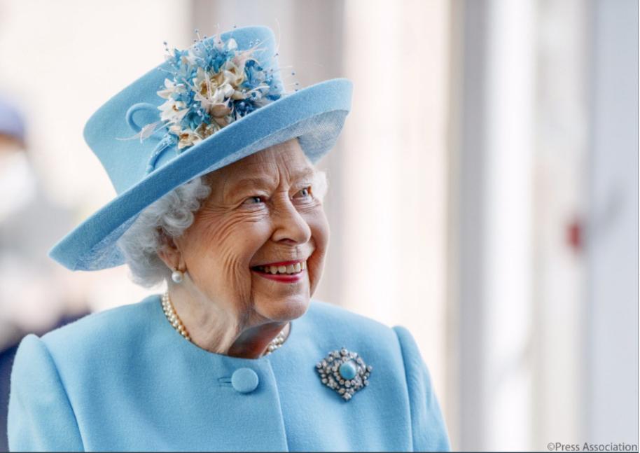 поздравление королевы англии шуточное модель может похвастаться
